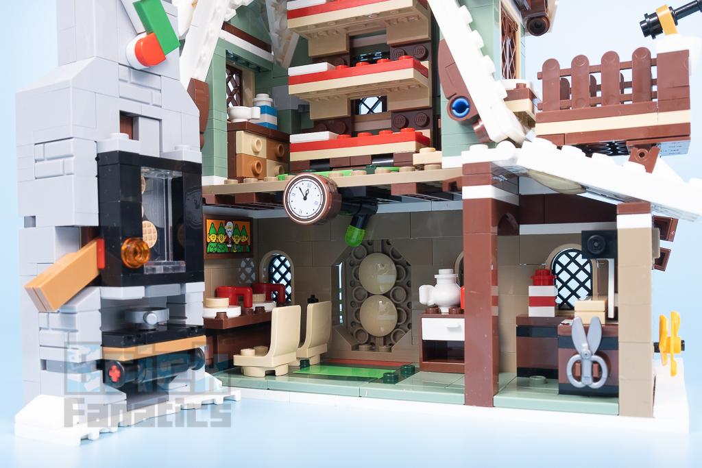 LEGO 10275 Elf Club House 27 1