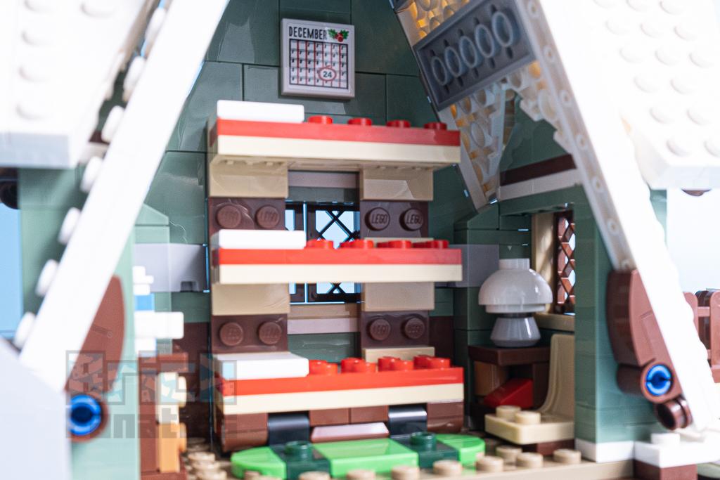 LEGO 10275 Elf Club House 33