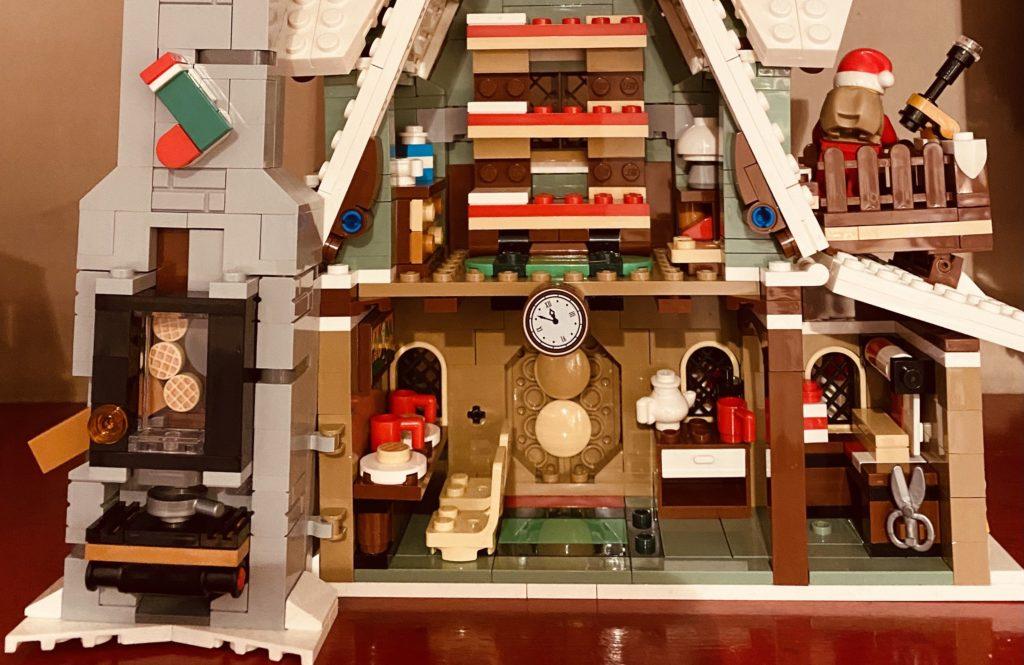 LEGO 10275 Elf Club House Waffle Dispenser