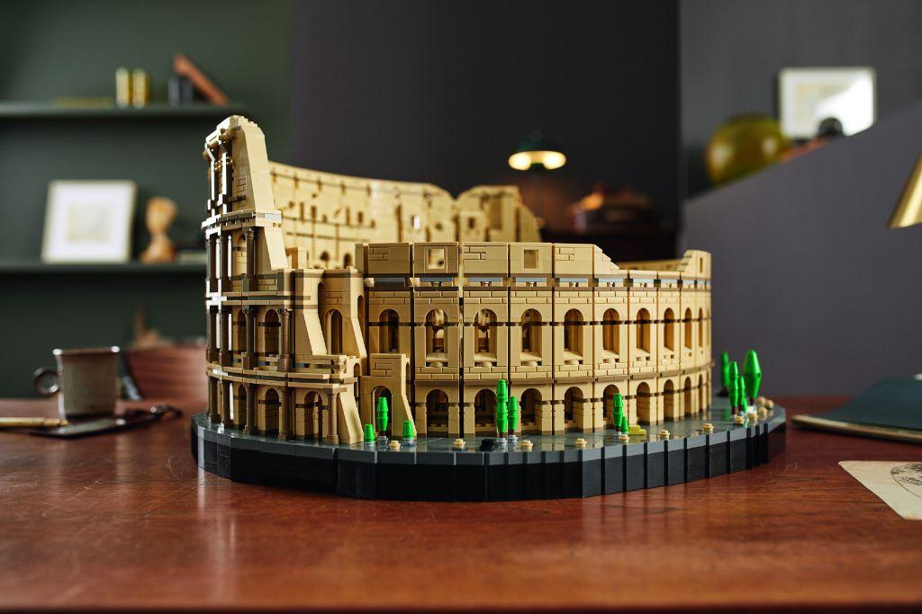 LEGO 10276 Colosseum 18