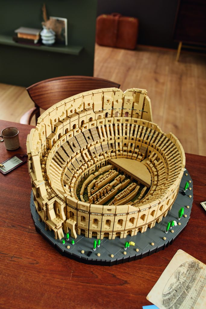 LEGO 10276 Colosseum 19