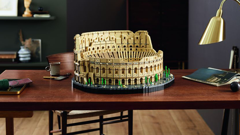 LEGO 10276 Colosseum Featured 2