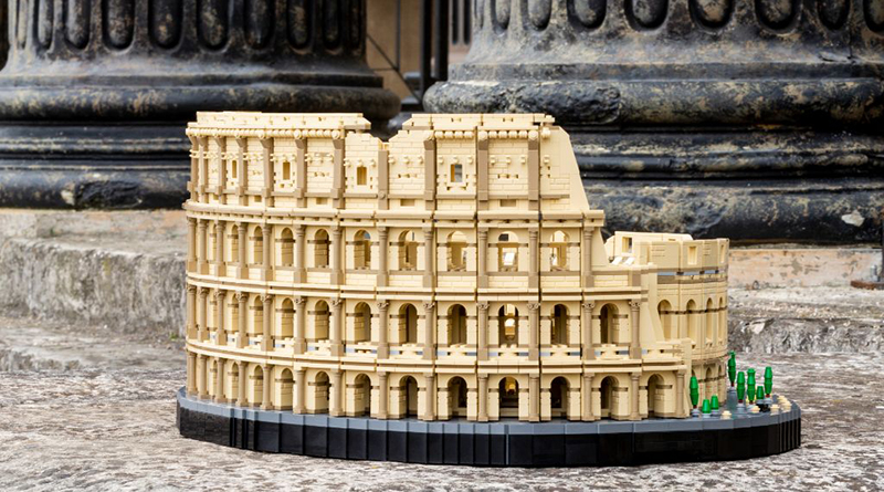 LEGO 10276 Colosseum Featured 6