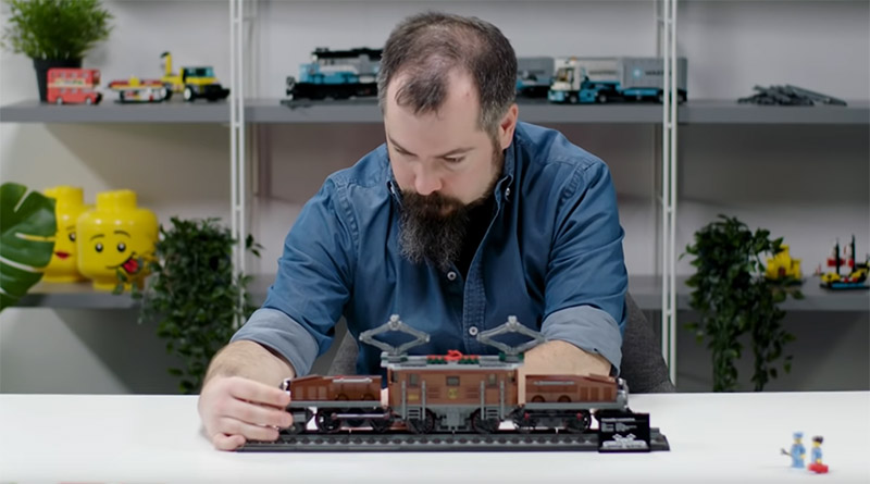 LEGO 10277 Crocodile Locomotive BTS Featured