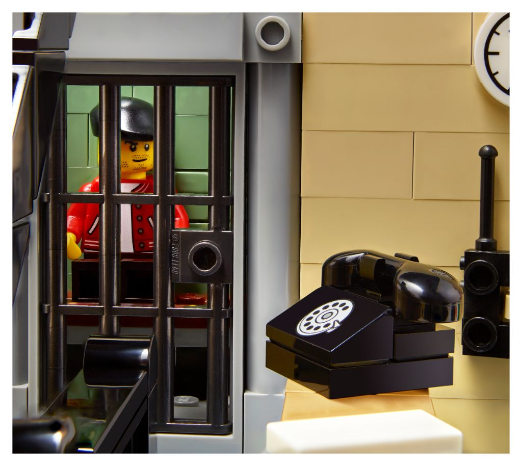 LEGO 10278 Modular Buildings Collection Police Station 10