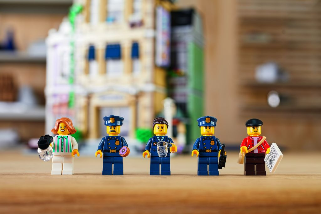 LEGO 10278 Modular Buildings Collection Police Station 40