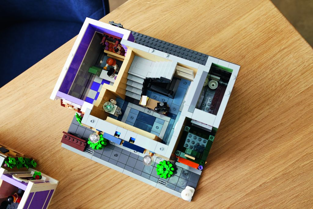 LEGO 10278 Modular Buildings Collection Police Station 44