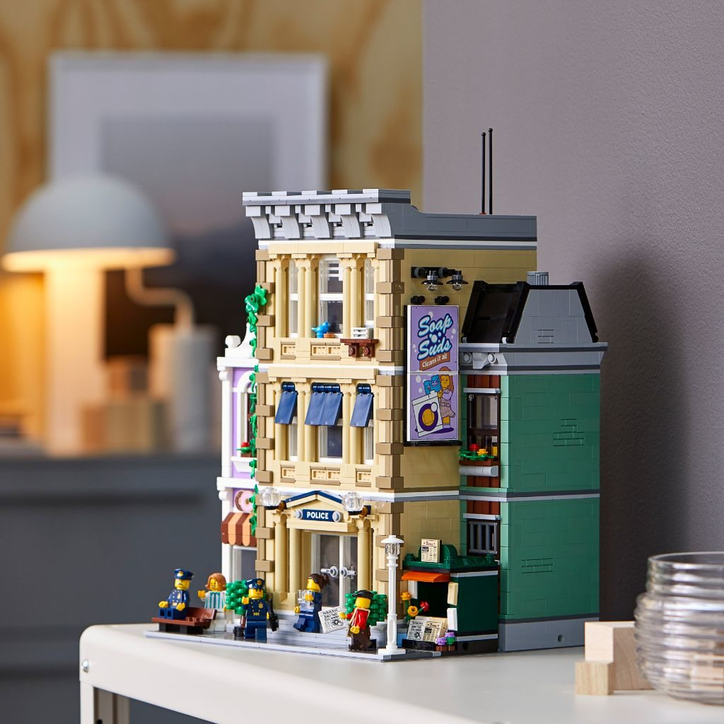 LEGO 10278 Modular Buildings Collection Police Station 55