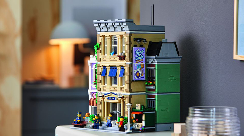 LEGO 10278 Modular Buildings Collection Police Station Featured