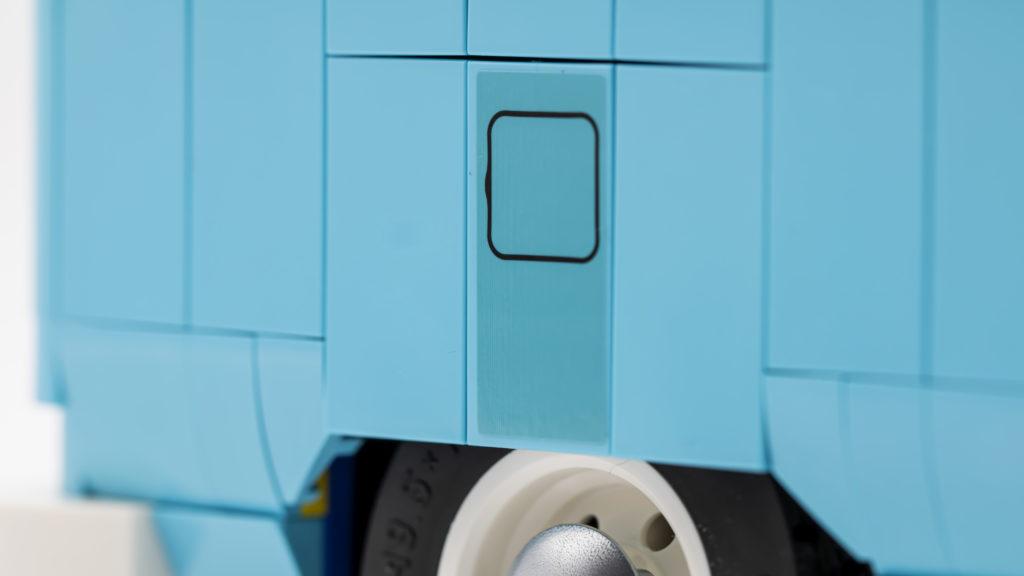 LEGO 10279 Volkswagen T2 Camper Van 16