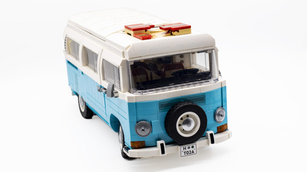 LEGO 10279 Volkswagen T2 Camper Van 29