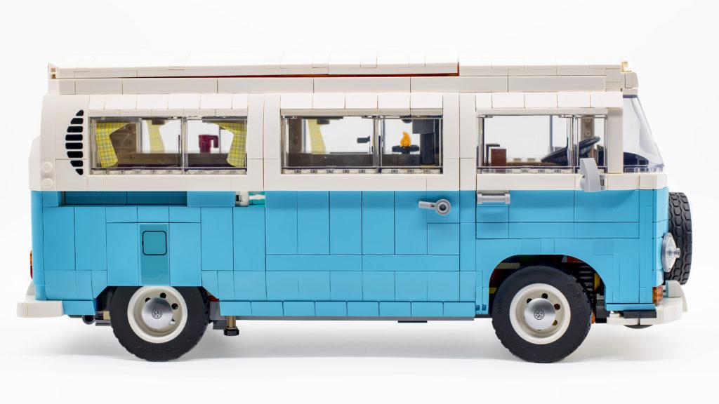 LEGO 10279 Volkswagen T2 Camper Van 31
