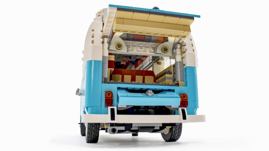 LEGO 10279 Volkswagen T2 Camper Van 33