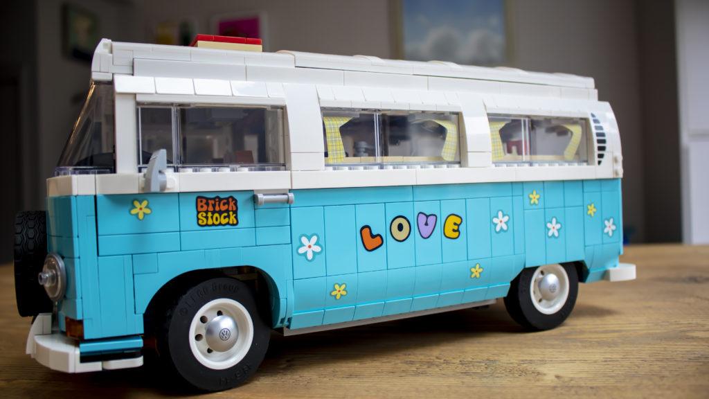 LEGO 10279 Volkswagen T2 Camper Van 40