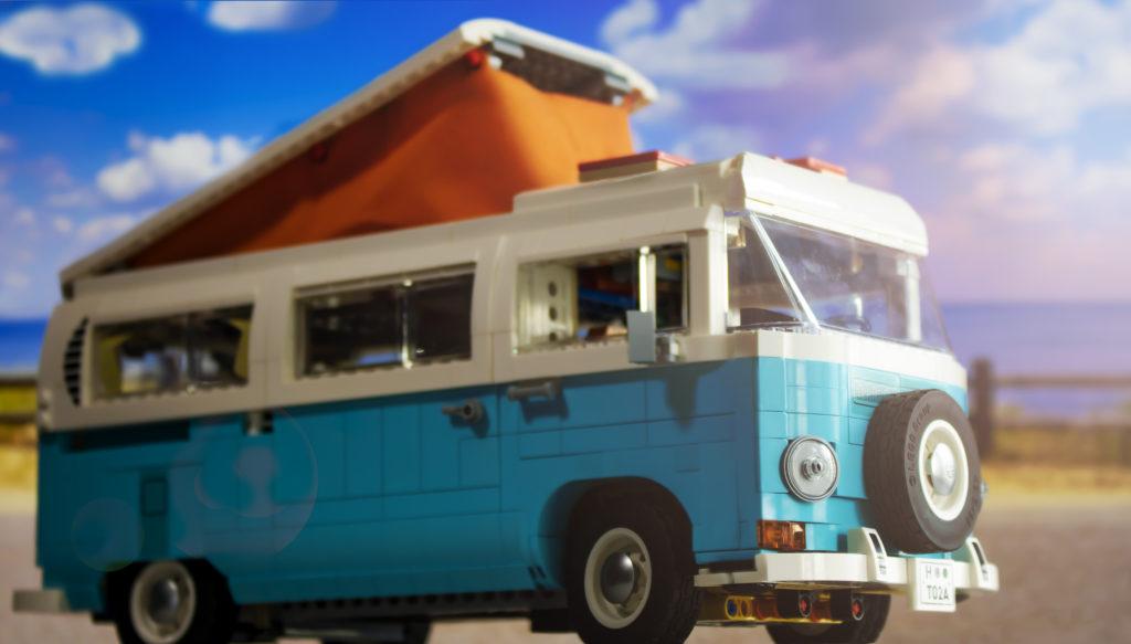 LEGO 10279 Volkswagen T2 Camper Van FEATURE 8