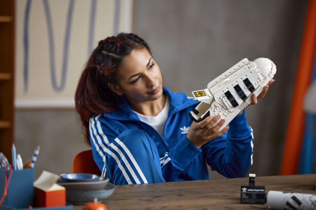 LEGO 10282 Adidas Originals Superstar 15
