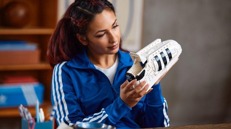 LEGO 10282 Adidas Originals Superstar featured 3