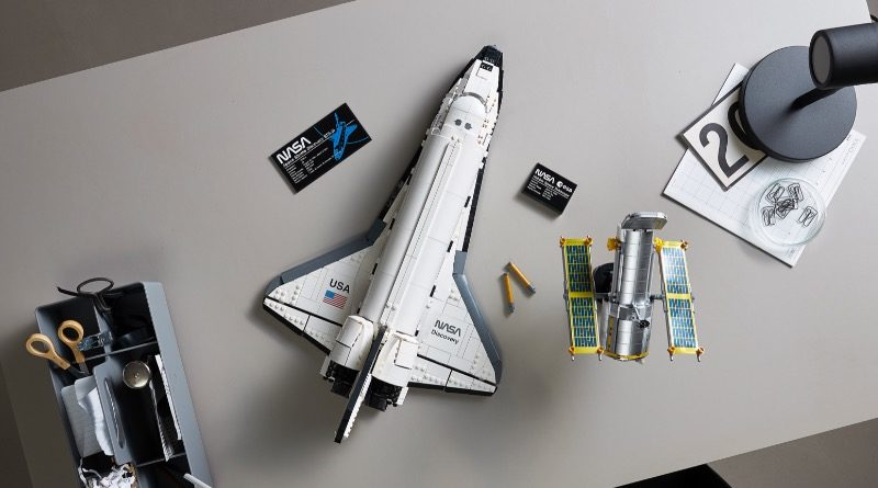 LEGO 10283 NASA Discovery Space Shuttle Featured 2 800x445