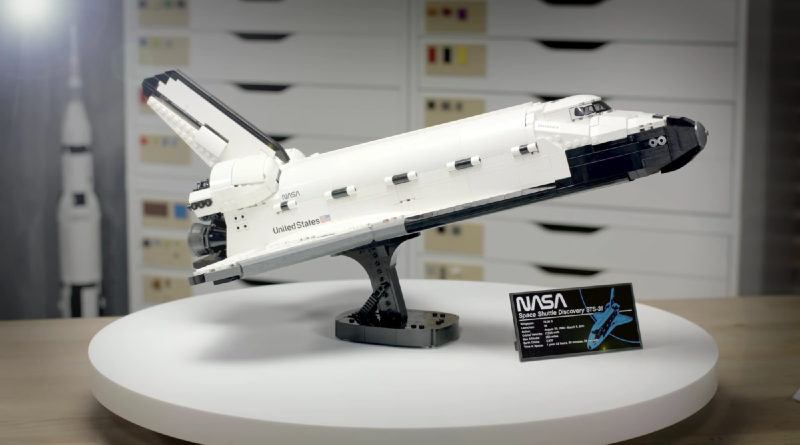 Five things you need to know about LEGO 10283 NASA Space Shuttle Discovery