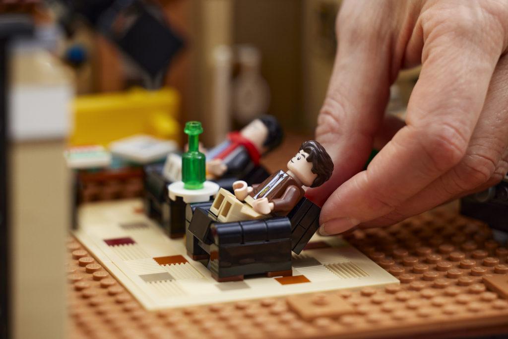 LEGO 10292 Friends Apartments 20