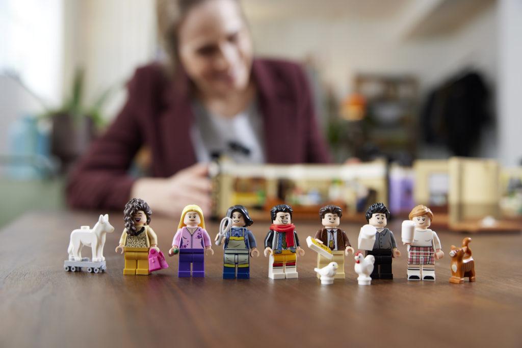 LEGO 10292 Friends Apartments 23
