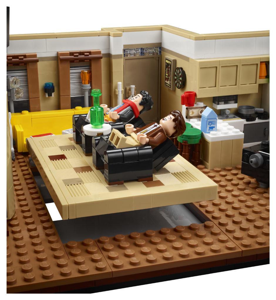 LEGO 10292 Friends Apartments 6