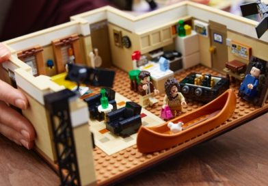 LEGO 10292 The Friends Apartments available now for VIPs