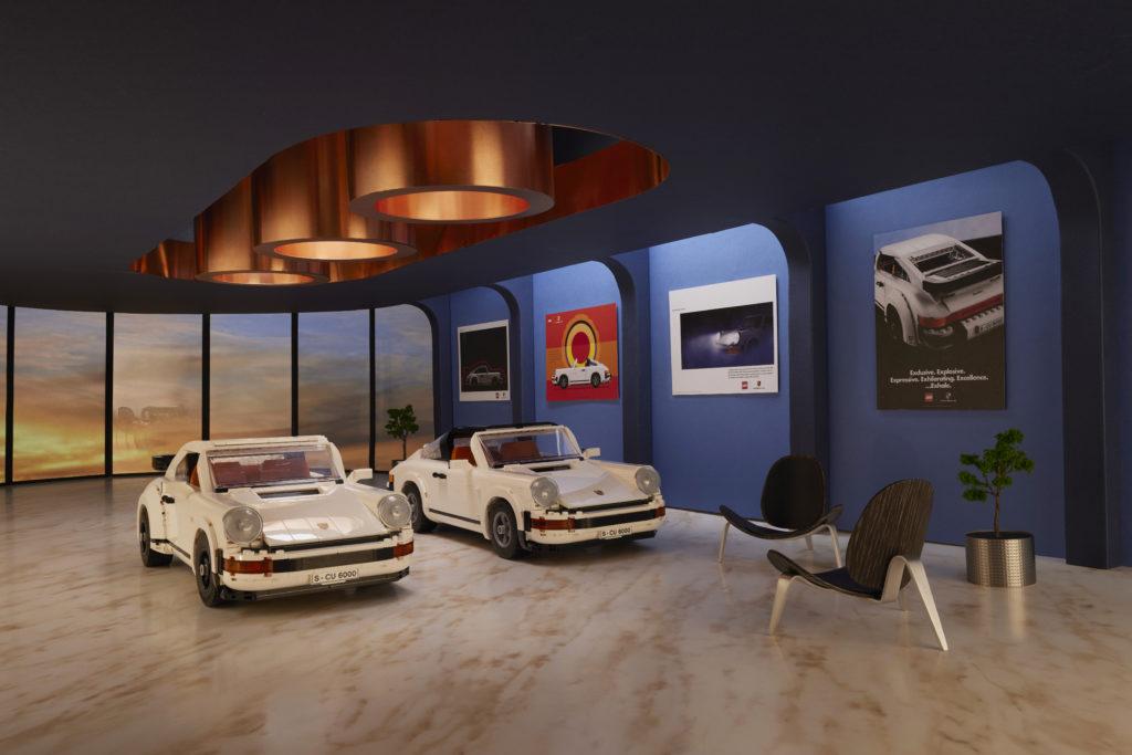 LEGO 10295 Porsche 911 Showroom 2
