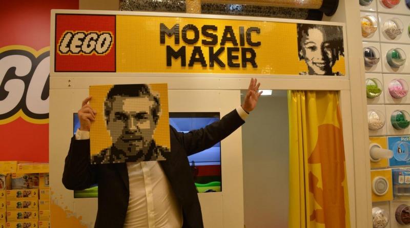 LEGO 40179 Personalised Mosaic Portrait Featured