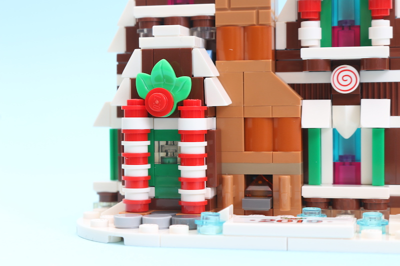 LEGO 40337 Gingerbread House Review 5
