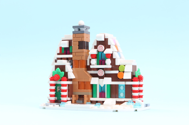 LEGO 40337 Gingerbread House Review Main