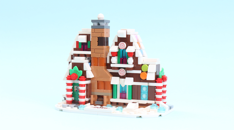 LEGO 40337 Gingerbread House Review Title2