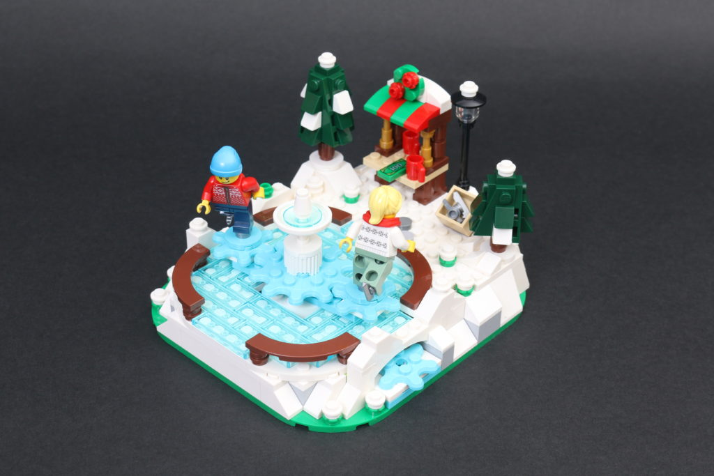 LEGO 40416 Ice Skating Rink Gift With Purchase Review 1