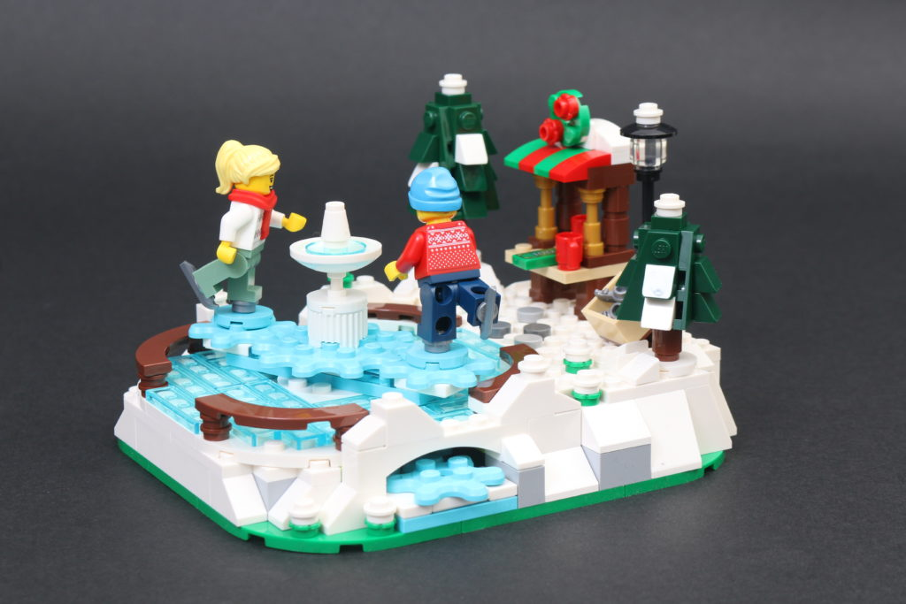 LEGO 40416 Ice Skating Rink Gift With Purchase Review 12