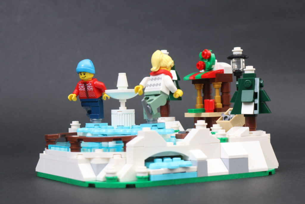 LEGO 40416 Ice Skating Rink Gift With Purchase Review 5