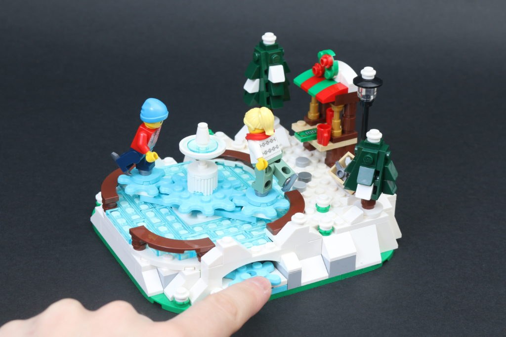 LEGO 40416 Ice Skating Rink Gift With Purchase Review 6