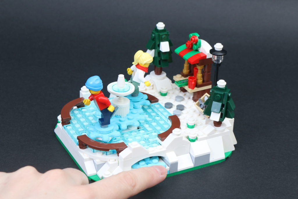 LEGO 40416 Ice Skating Rink Gift With Purchase Review 7