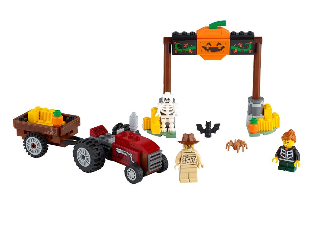 LEGO 40423 Halloween Hayride 1