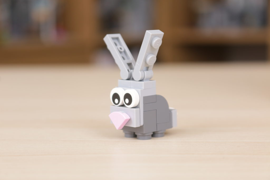 LEGO 40449 Easter Bunnys Carrot House GWP review 10