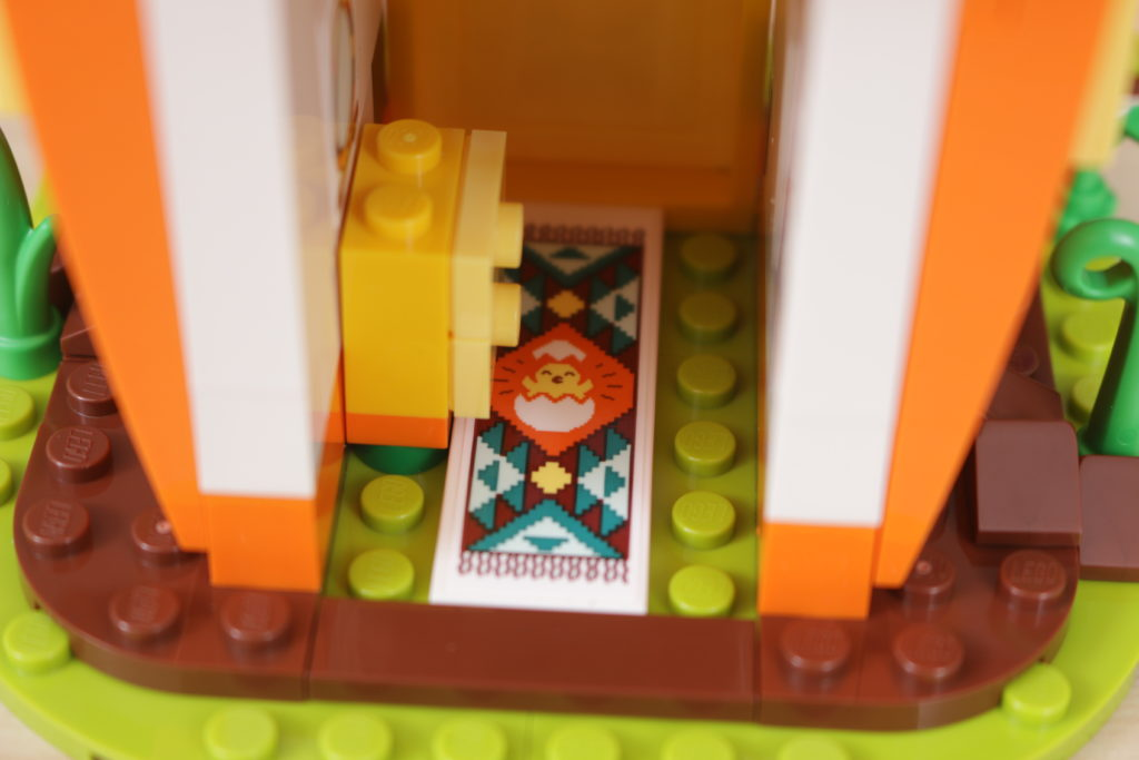 LEGO 40449 Easter Bunnys Carrot House GWP review 12