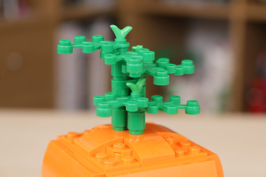LEGO 40449 Easter Bunnys Carrot House GWP review 9