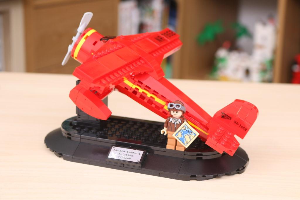 LEGO 40450 Amelia Earhart Tribute GWP Review 1