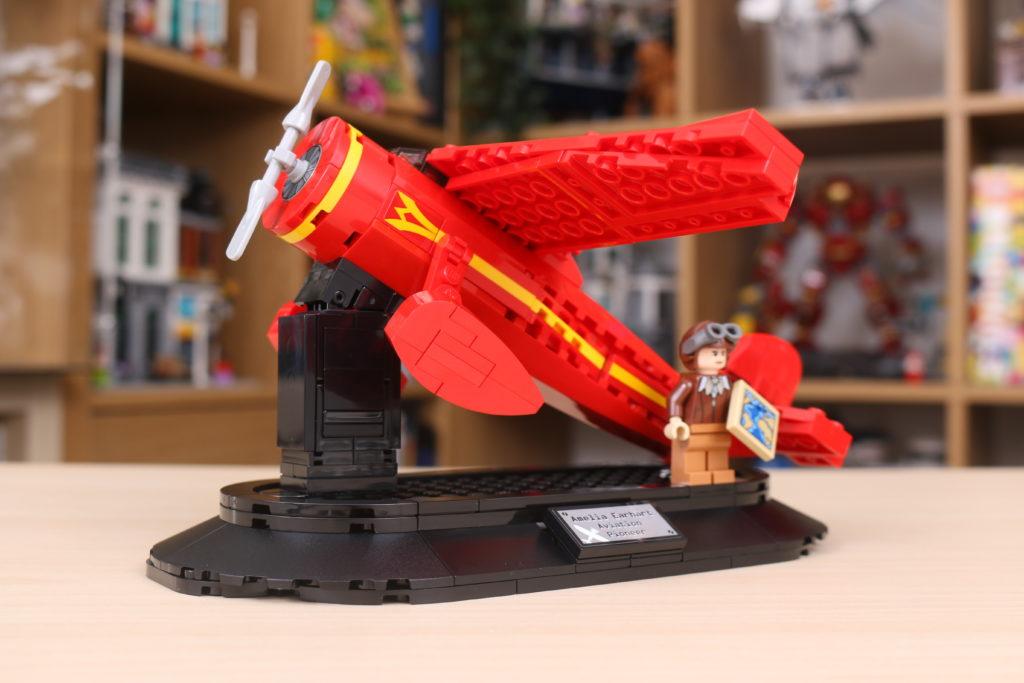 LEGO 40450 Amelia Earhart Tribute GWP Review 5