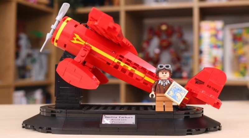 LEGO 40450 Amelia Earhart Tribute GWP review featured