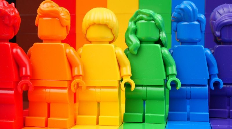 LEGO 40516 Everyone is Awesome Brickset review featured