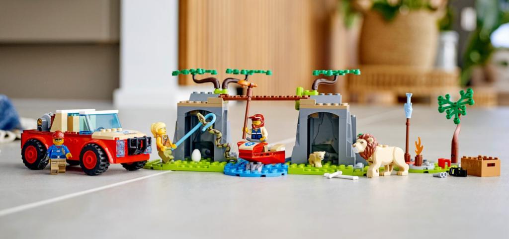 LEGO 60301 Wildlife Rescue Off Roader lifestyle