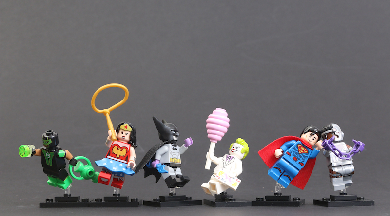 LEGO 71026 DC Super Heroes Collectible Minifigures Review Title