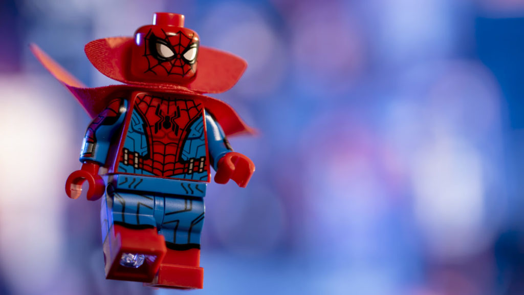 LEGO 71031 Marvel Studios Zombie Hunter Spidey action shot 2