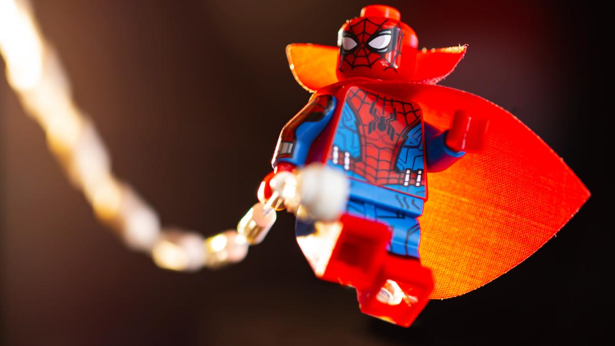 LEGO 71031 Marvel Studios Zombie Hunter Spidey Action Shot Featured