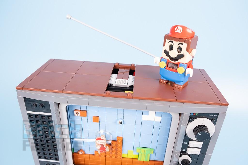 LEGO 71374 Nintendo Entertainment System 12